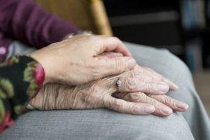 Alexa para personas mayores - compañia