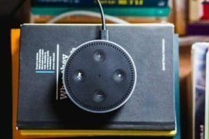 Altavoces inteligentes para ancianos - audiolibros