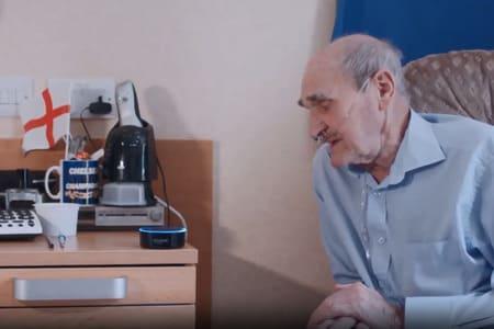Altavoces inteligentes para personas con demencia - enfermo