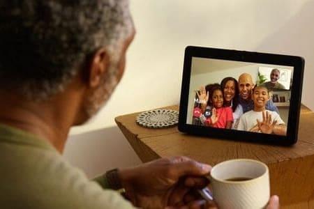 Altavoces inteligentes para personas mayores - hablar
