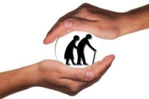 Altavoces inteligentes para personas mayores - seguridad